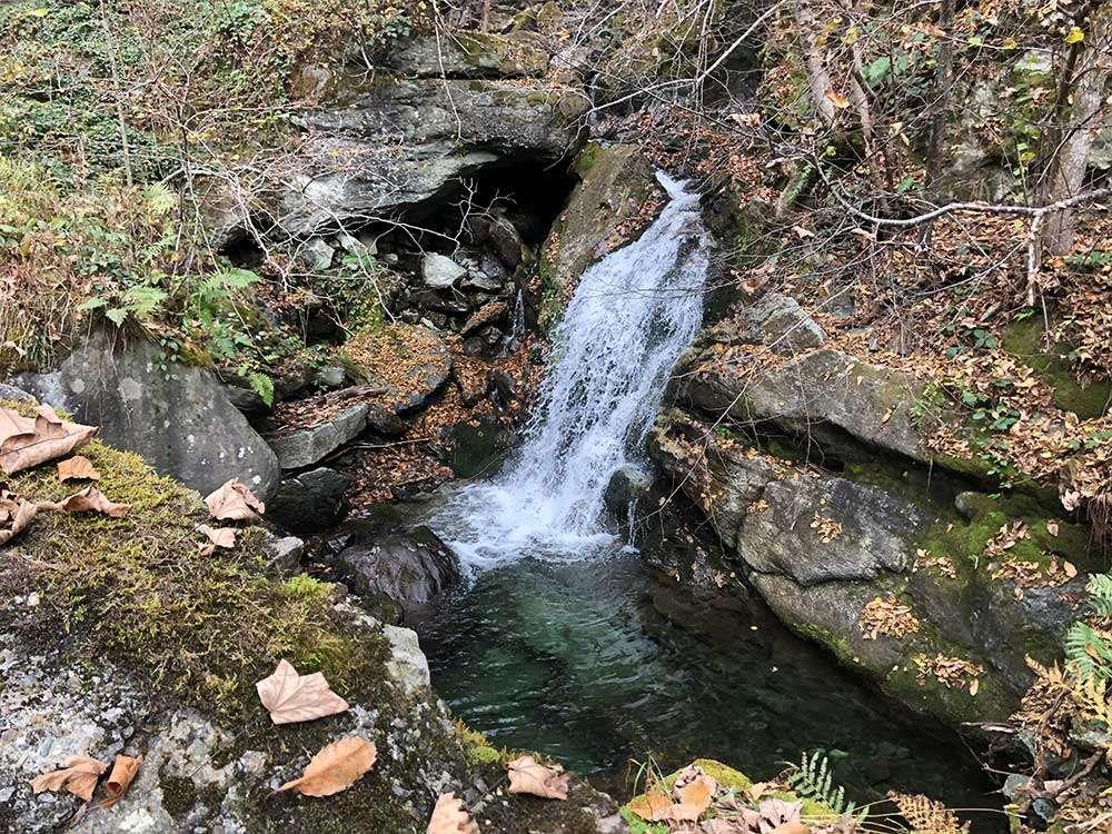 Acqua lungo l'antica mulattiera che da Viù sale ai Tornetti