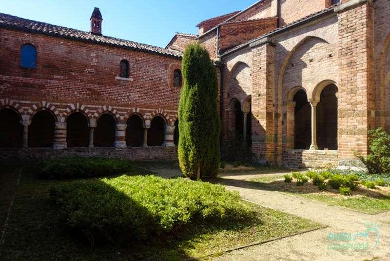 L'abbazia di Vezzolano ad Albugnano e il suo chiostro