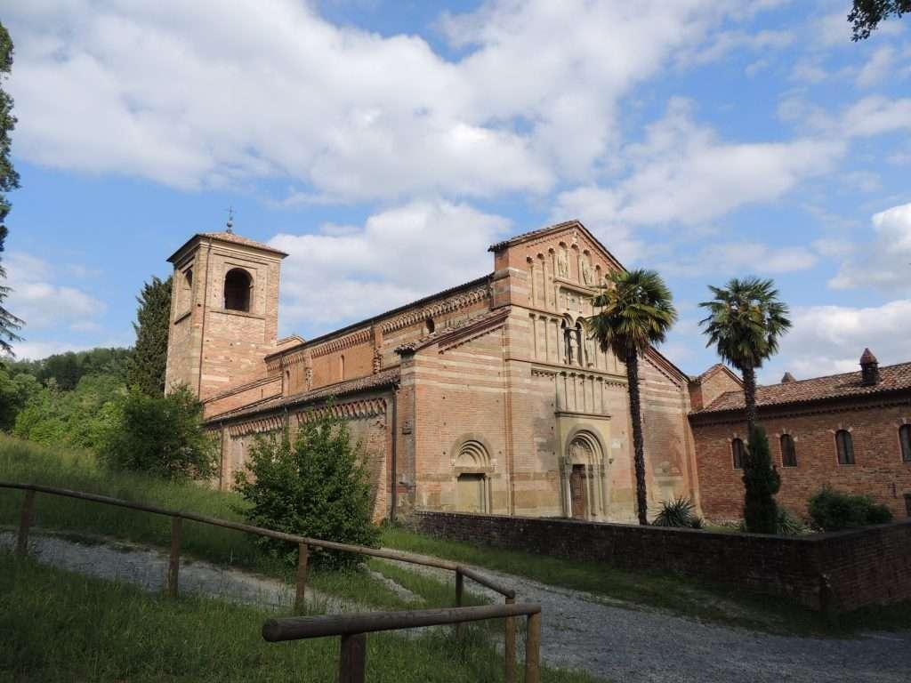 L'abbazia di Vezzolano ad Albugnano con la sua bellissima facciata romanica