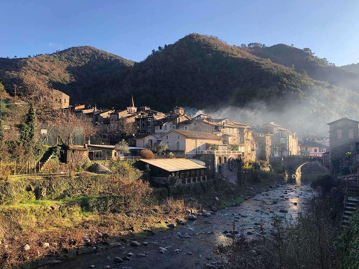 Trekking in Liguria tra Apricale e Dolceacqua