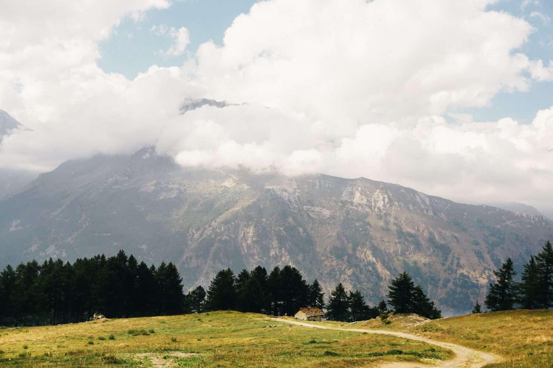 Escursione l'anello degli alpeggi del Frais con merenda sinoira